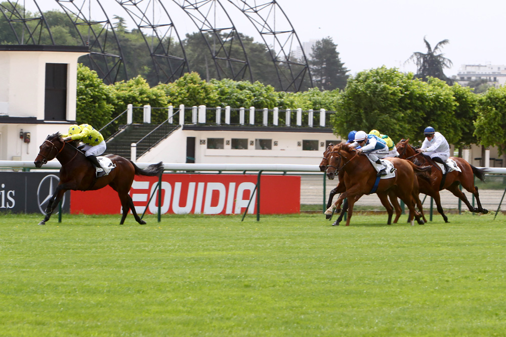 The Summit brings Victor Ludorum's unbeaten run to an end in the Prix de Fontainebleau. He later finished second behind the same horse in the Group 1 Poule d'Essai des Poulains.